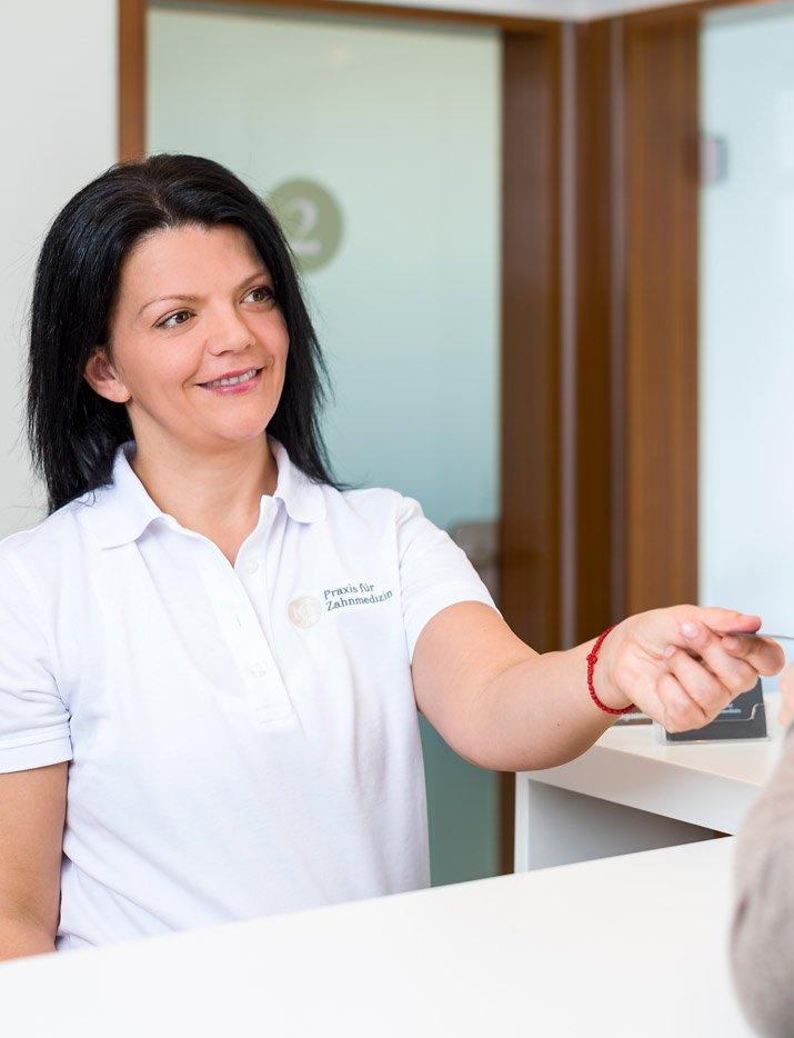 Zahnarztpraxis Katrin Lang - unser Team - unsere Praxis - freundlich - Zahnärzte Regensburg