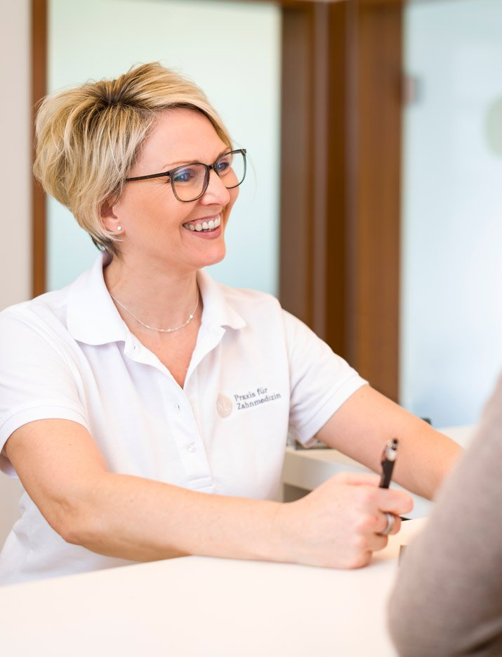Zahnarztpraxis Katrin Lang - Unser Team - Ansprechpartner - Zahnärzte Regensburg