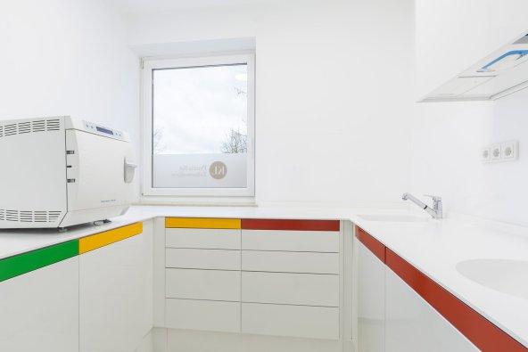 Zahnarztpraxis Katrin Lang - Unsere Praxis - Hygieneraum - modern - Zahnärzte Regensburg