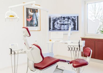 Zahnarztpraxis Katrin Lang - Moderne Behandlung - Paradontologie Regensbnurg