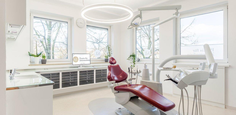 Zahnarztpraxis Katrin Lang - in Regensburg - Behandlungszimmer