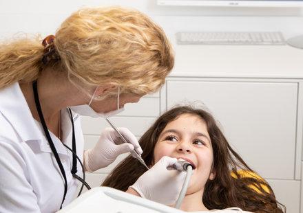Vor und während des Zahnarzttermins: Bleiben Sie entspannt!